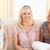 juichen · vrouwen · vergadering · sofa · woonkamer · vergadering - stockfoto © wavebreak_media